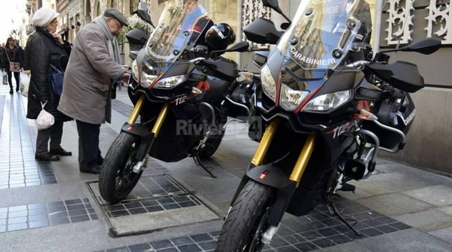 riviera24 - Carabinieri sorvegliano il 69° Festival di Sanremo