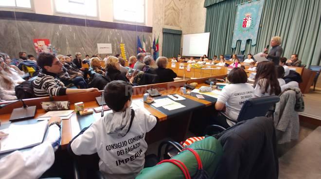 Consiglio comunale dei ragazz i- Carta internazionale dei diritti della bambina