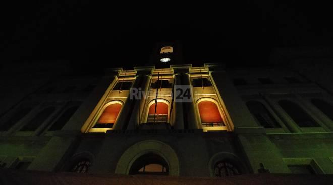 facciata gialla palazzo comunale imperia