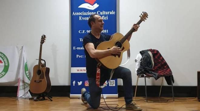 riviera24 - Spettacolo benefico con il comico di Zelig Andrea Di Marco