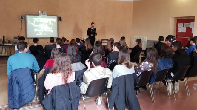 Riviera24- carabinieri a scuola