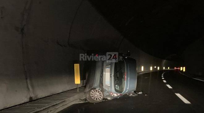 riviera24 - Incidente in un tunnel Autofiori autostrada