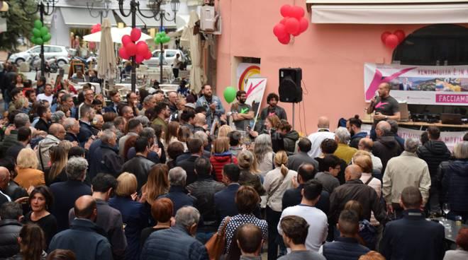 Enrico Ioculano chiude la campagna elettorale: «Basta con il passato, cambiamo Ventimiglia insieme»  (Foto e Video)