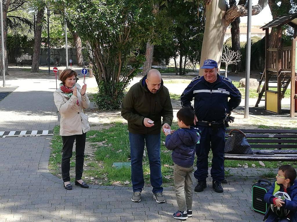 Educazione stradale, prova pratica per bimbi di Vallecrosia e Perinaldo