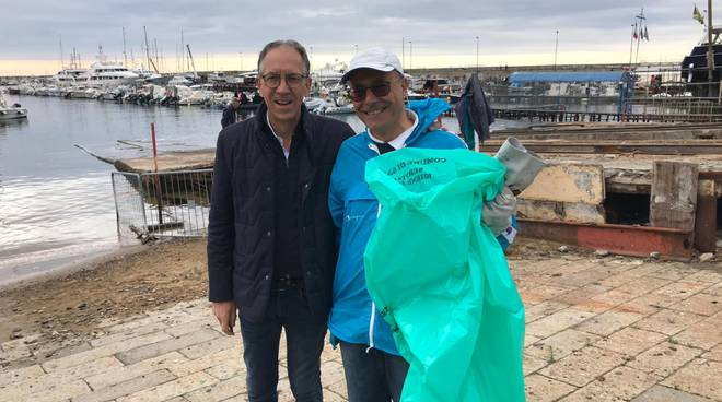 Riviera24- fondali puliti al Porto Vecchio