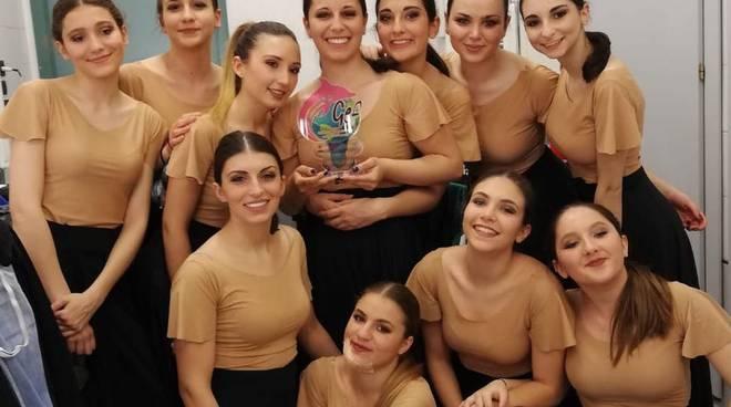 Riviera24- New Crazy Dance di Sanremo