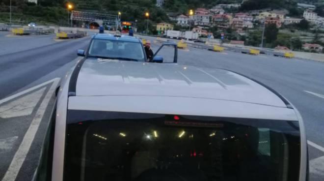 riviera24 - Polizia di frontiera