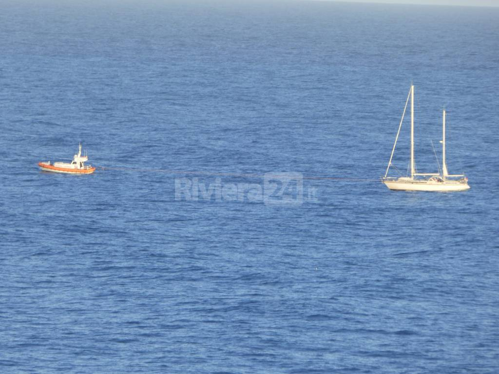 imbarcazione difficoltà capitaneria