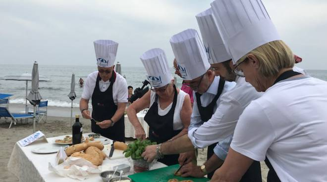 riviera24 - Cooking School on the beach