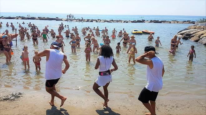 riviera24 - Fun on the Beach