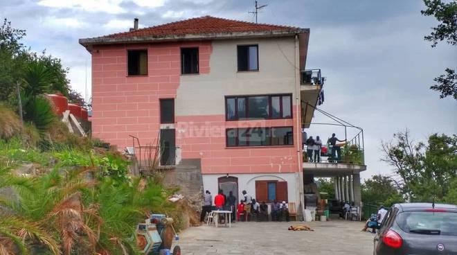 Riviera24- centro migranti pian della castagna