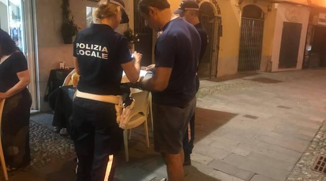 Riviera24- controlli rifiuti polizia locale