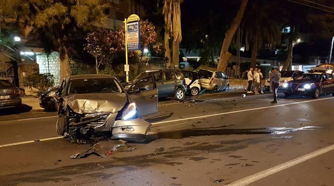 riviera24 - incidente notturna sanremo corso marconi