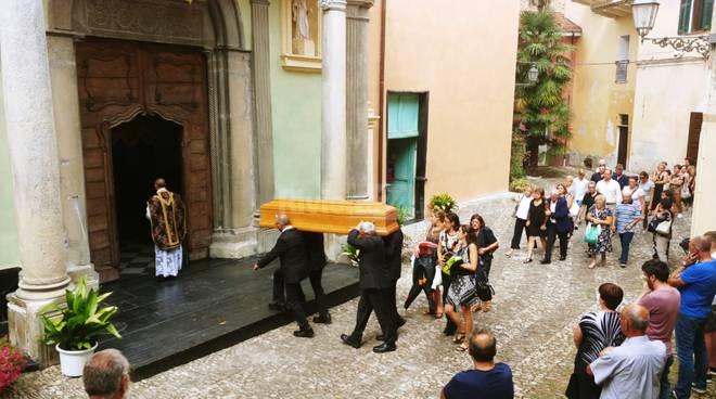 funerali claudio holzer