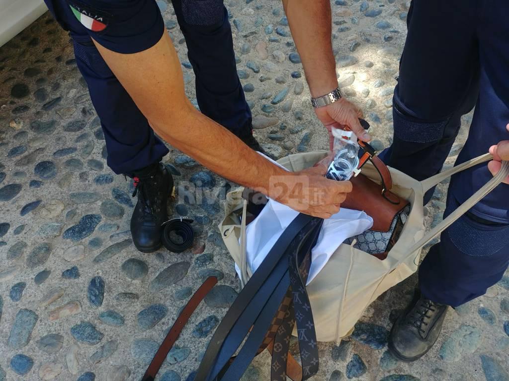 riviera24 - Sanremo borse e cinture patacche municipale