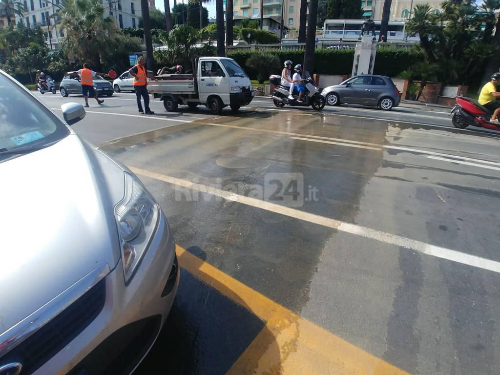 Sanremo, ancora rotture sull'acquedotto. Salta tubazione in zona ex stazione ferroviaria