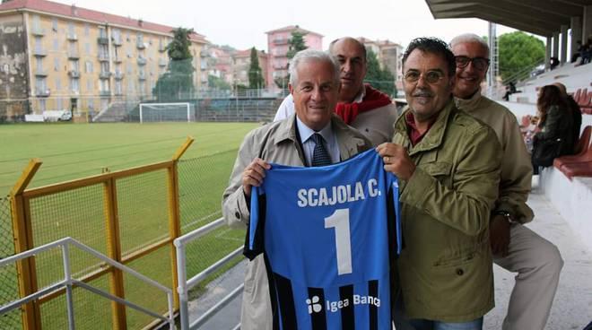 consegna maglia imperia calcio al sindaco scajola