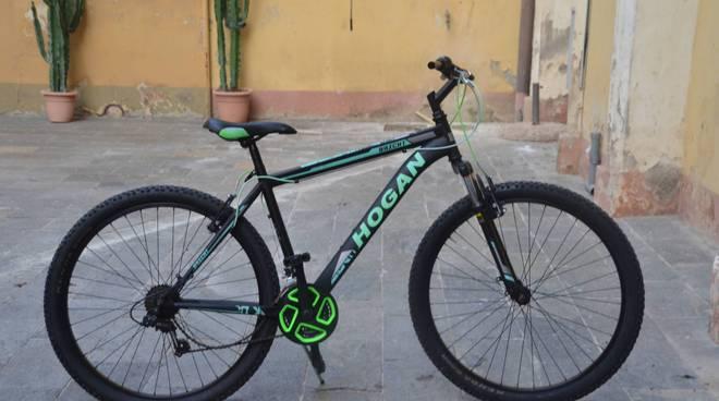 Riviera24- bici rubata