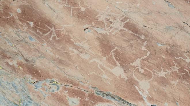 riviera24 -  Incisioni rupestri della Val Fontanalba.