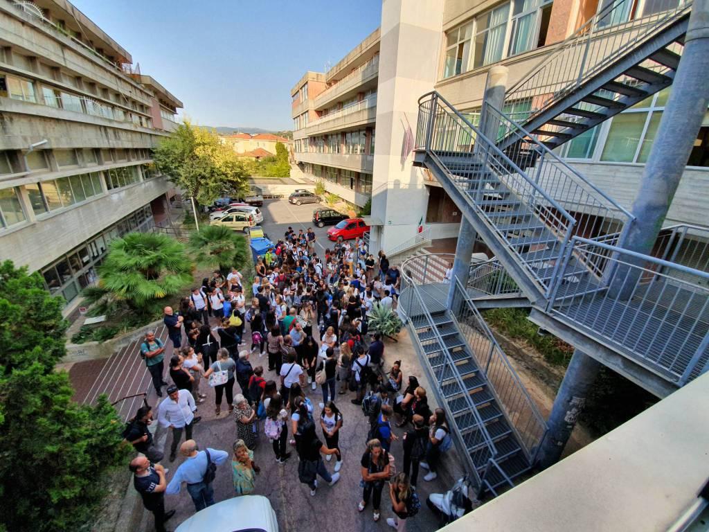 Riviera24- inizio scuola liceo Viesseux