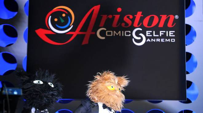Riviera24- Ariston comic selfie