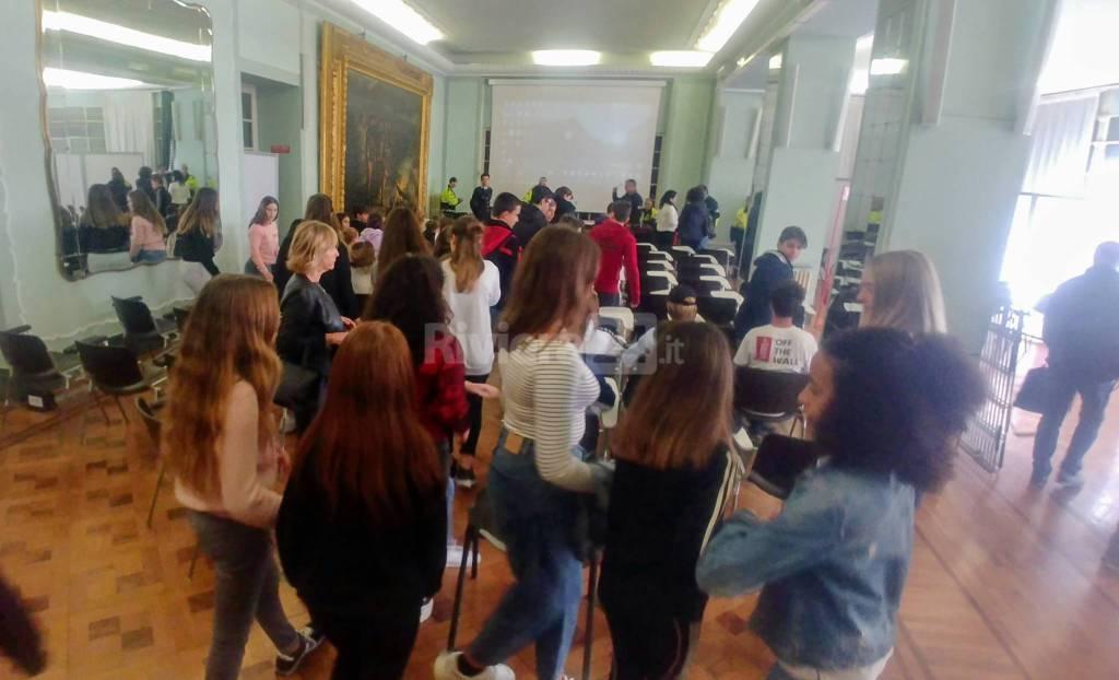 Riviera24 - Lezione di protezione civile a Sanremo