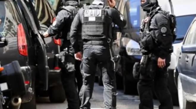riviera24 - polizia francese corpi speciali raid