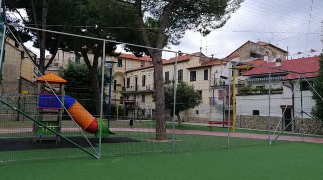 Riviera24- sportello decoro urbano riva