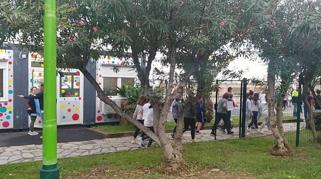 Sanremo, prova di evacuazione alle scuole Pascoli