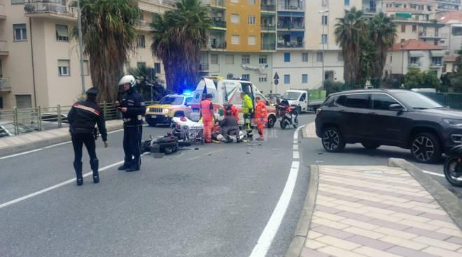 Auto travolge scooter Sanremo