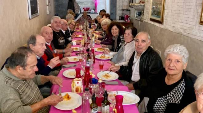 Riviera24- pranzo natale riva ligure
