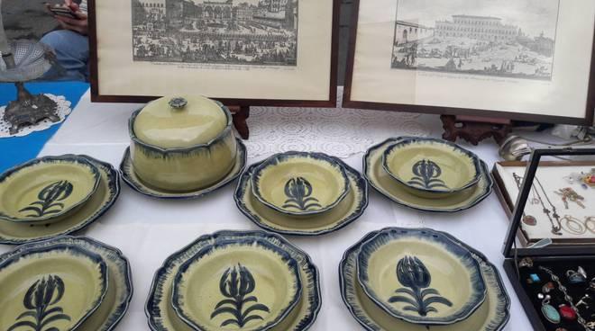 riviera24 - Tradizionale mercato antiquario