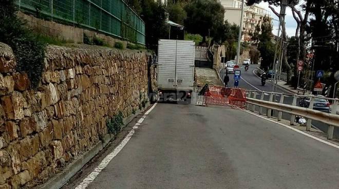 Accesso vietato a Via Duca d'Aosta