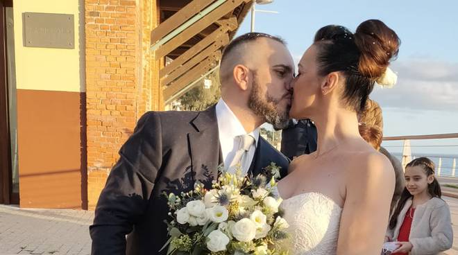 stefania e nicola sposi