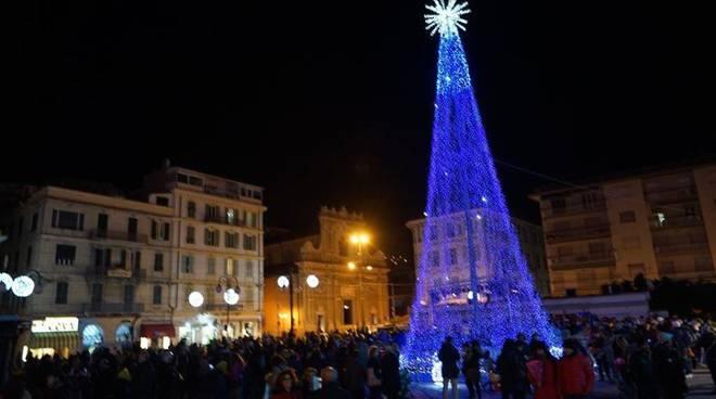 albero di Natale piazza colombo