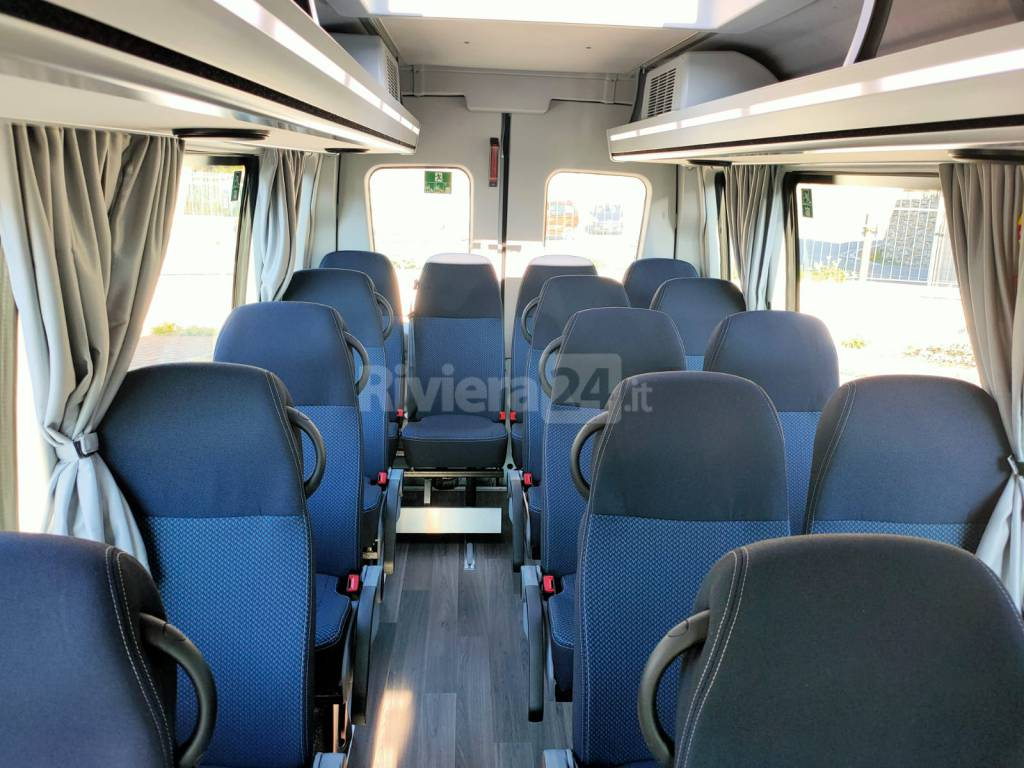 Presentazione autobus Riviera Trasporti