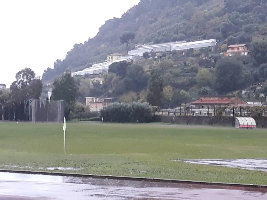 riviera24 - Campo pioggia Zaccari erba