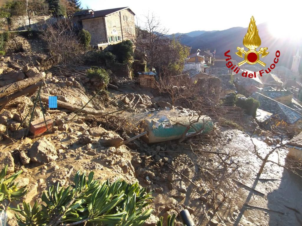 riviera24 - Frana a Cenova