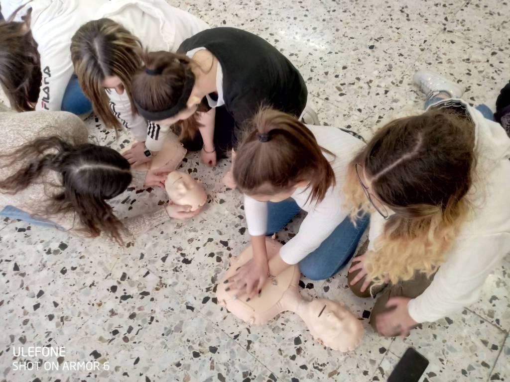 """riviera24 - Corso di primo soccorso all'istituto """"Fermi Polo Montale"""""""