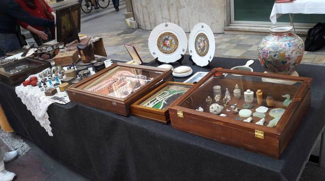 riviera24 - Mercato Antiquario