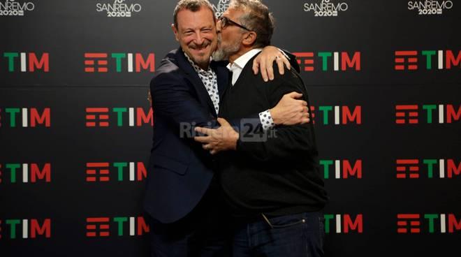 #Festival2020, Amadeus abbraccia Sanremo. Appuntamento al 2021?