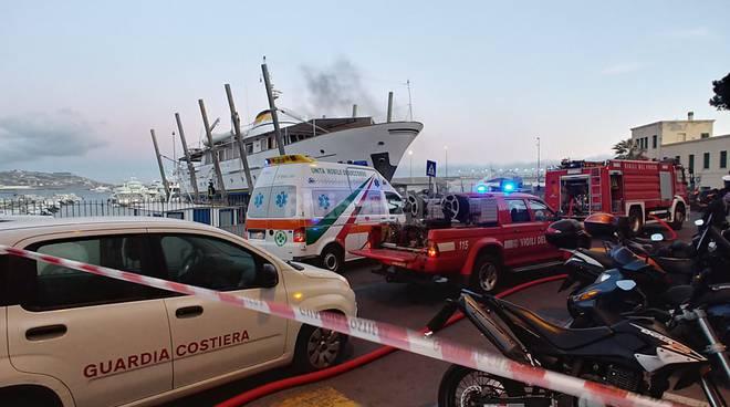 Incendio imbarcazione Sanremo