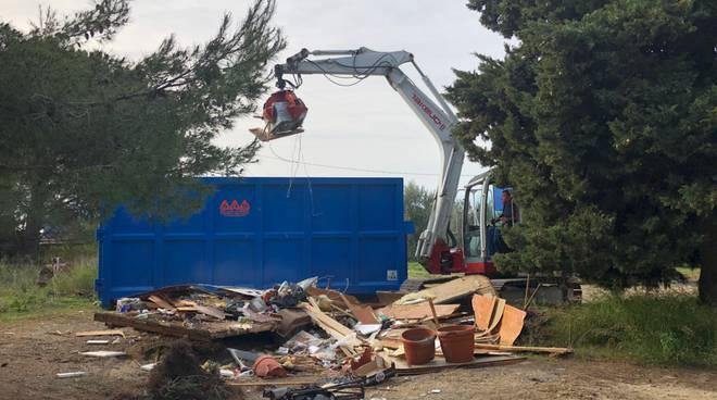 riviera24 - Lavori di rimozione dei rifiuti