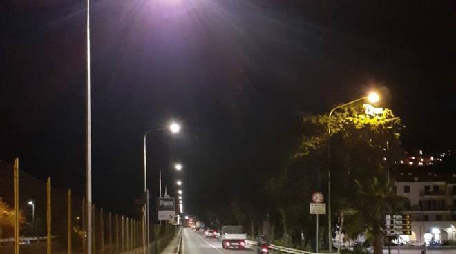 Riviera24- luci led borgo prino