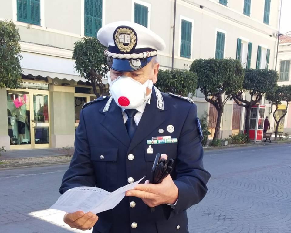 Coronavirus, controlli della polizia municipale di Diano