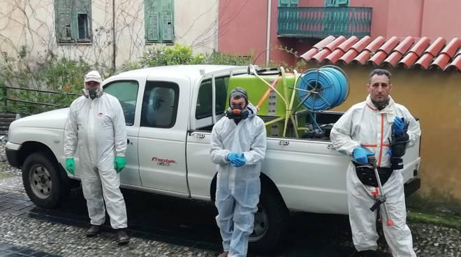 Coronavirus, Pontedassio volontari provvedono alla disenfezione