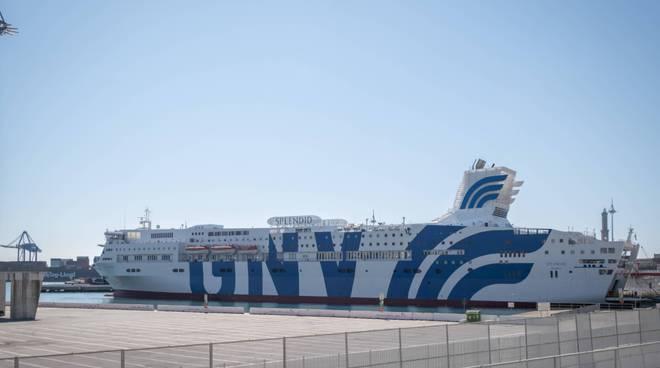 Nave ospedale a Genova
