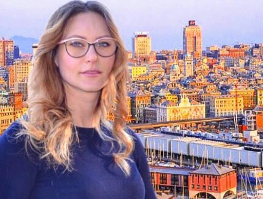 Riviera24- azzurro donna liguria