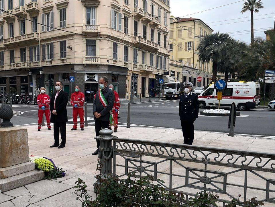 riviera24 - Minuto di silenzio a Sanremo