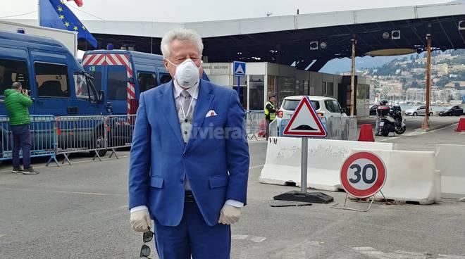 Sindaco Scullino in frontiera Francia mascherina